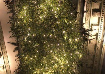 Weihnachtsdekoration im Innenhof der Gorki Apartments in Berlin Prenzlauer Berg